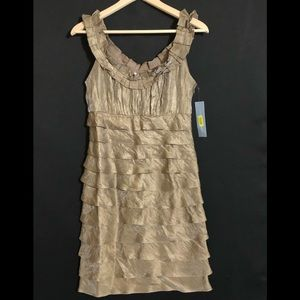 NWT BEAUTIFUL FORMAL DRESS BY LONDON TIMES SIZE 8